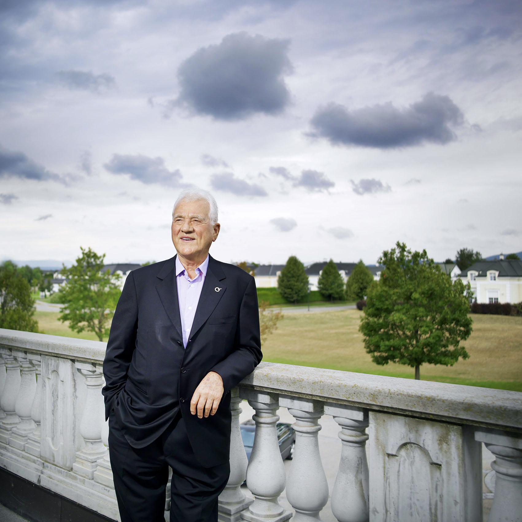 "Frank Stronach at the balcony of ""MAGNA International Europe AG"", Magna Straße 1, 2522 Oberwaltersdorf"