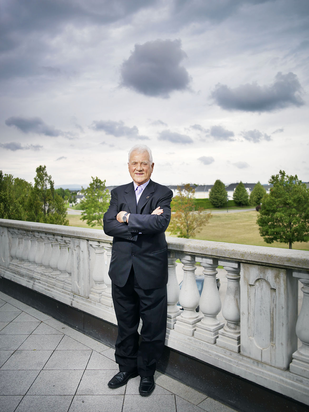 "Frank Stronach at the balcony of ""MAGNA International Europe AG"", Magna Straße 1, 2522 Oberwaltersdorf"