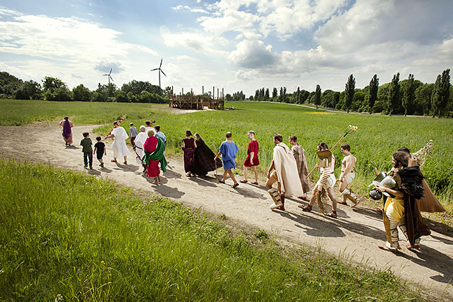 AUSTRIA / Burgenland/  Carnuntum; Gladiator School;  Gladiators on the way to the reconstructed Gladiators' practice arena in Carnuntum's gladiator school  © Reiner Riedler/ Anzenberger