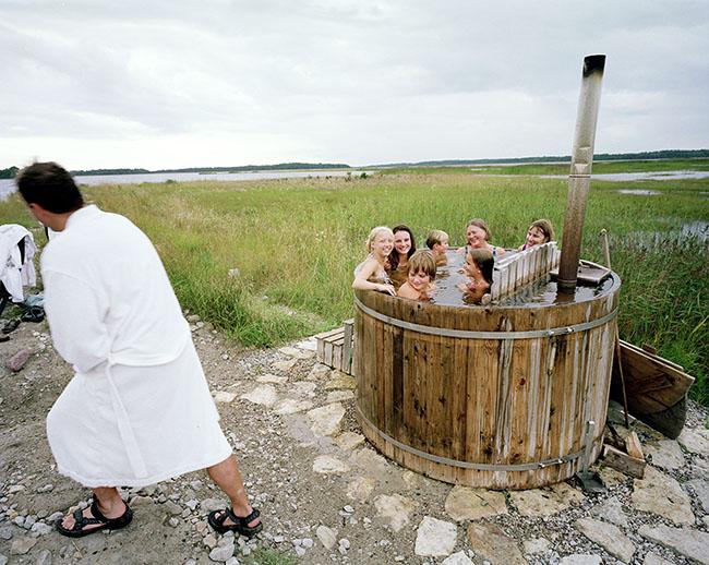Estonia, the Islands: Muhu, bathtube in Pädaste  ©  Reiner Riedler / Anzenberger