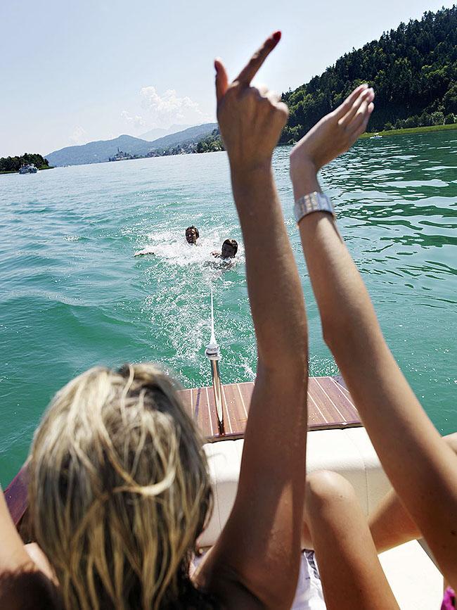 """Austria; Carinthia; Wörthersee, Bootsausflug in die """"Karibik"""", kleine Insel gegenüber vom Maria Wörth  ©  Reiner Riedler"""