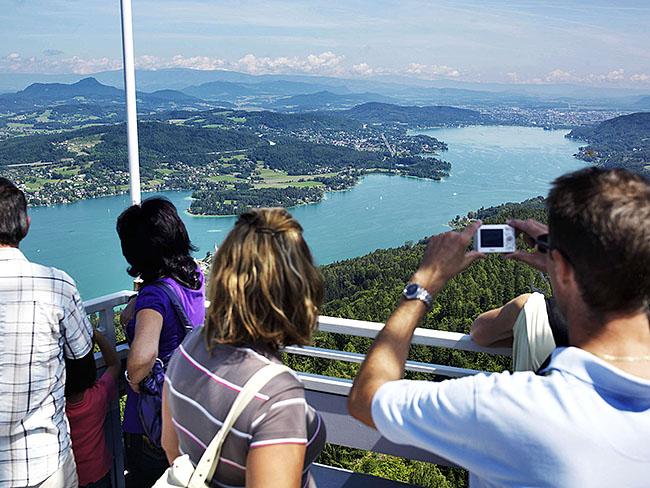 Austria; Carinthia; Wörthersee, Aussichtsturm Pyramidenkogel am Wörther See  ©  Reiner Riedler